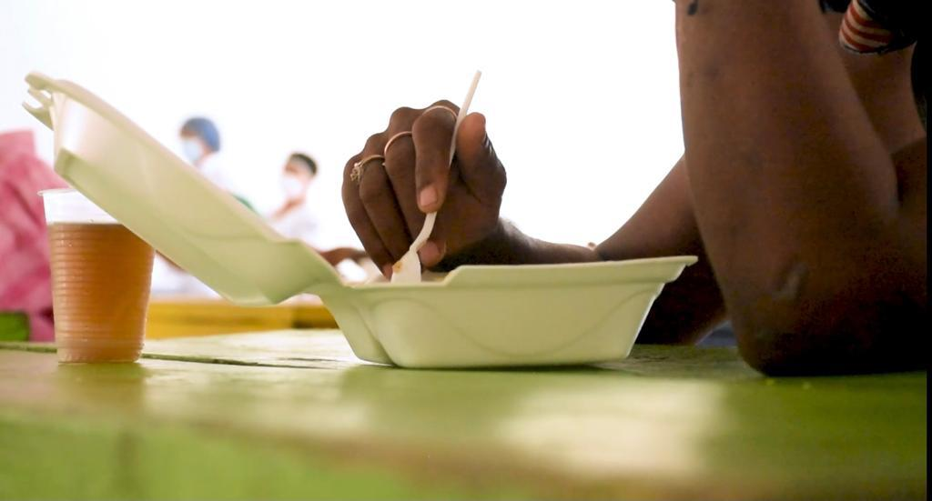 Amor y alimentación sana, servidos a la mesa para habitantes de calle – @alcaldiabquilla