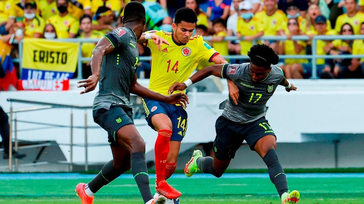 Colombia y Ecuador empataron tras el polémico protagonismo del VAR