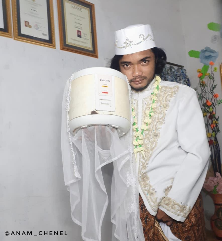 Increíble!! Hombre se casó con una olla arrocera
