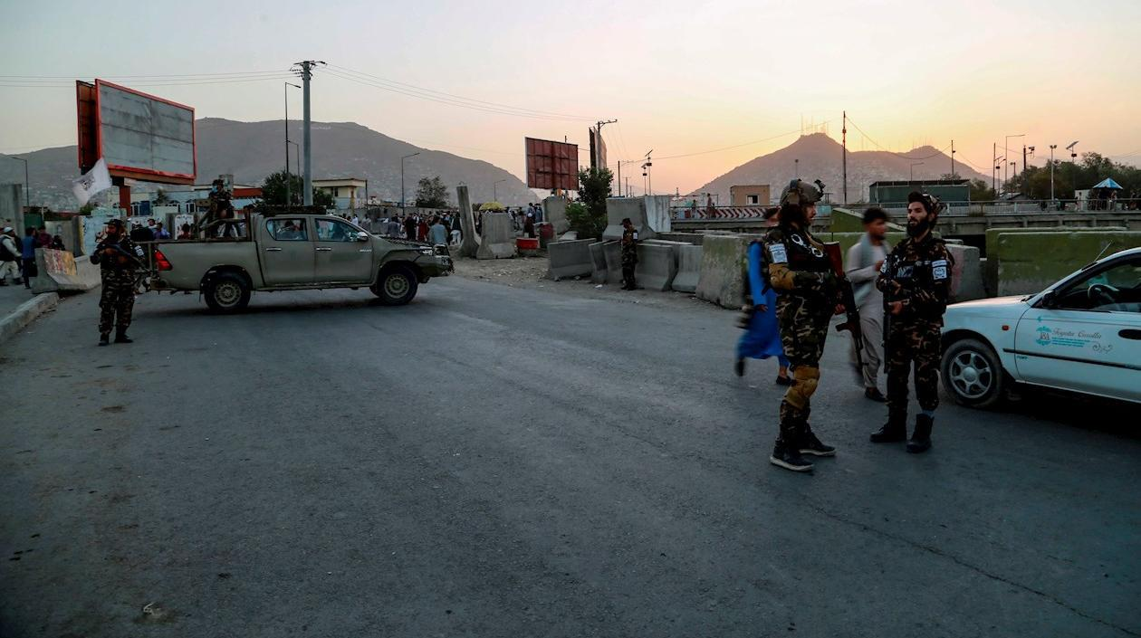 Estado Islámico reivindica ataque contra talibanes junto a mezquita en Kabul