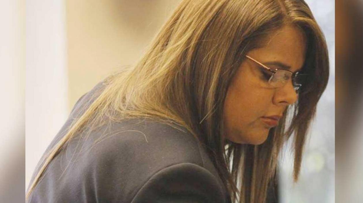 Condenan a Lucy Luna, esposa de Iván Moreno por presionar a Miguel Nule para entrega de predios