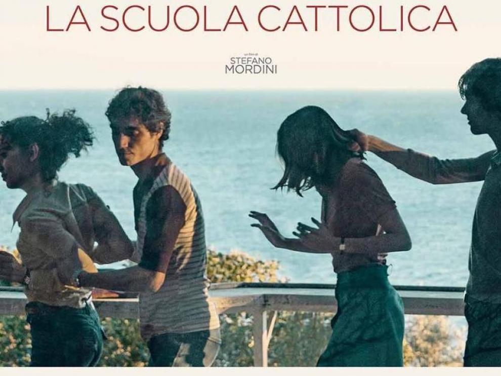 """Ponen restricción a menores de 18 años en #Italia para que no puedan ver la película """"La Escuela Católica"""""""