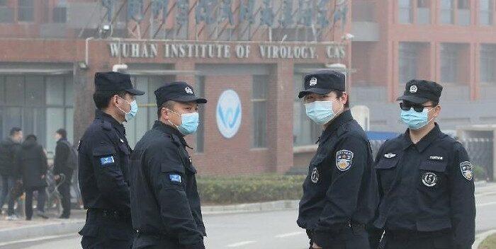 Hombre mató a siete personas y luego se escapó saltando de un puente en Wuhan, China